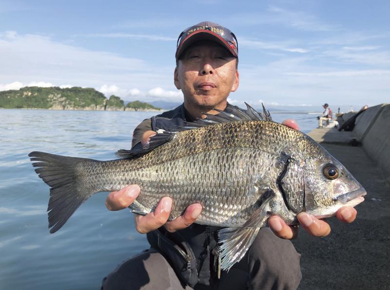 駆け引きに長けた三浦さんは熟練釣技者です。