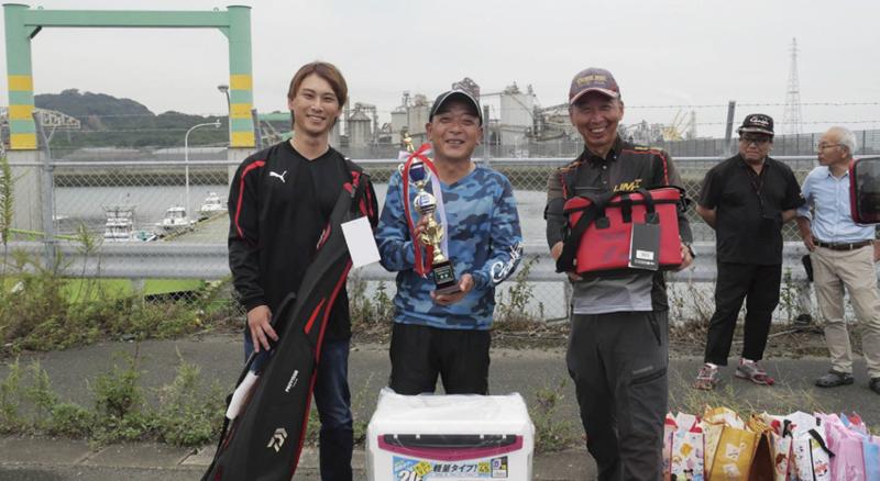 優勝 田中さん、準優勝 古閑さん、3位 三浦さん。
